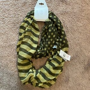 Stars and Stripes infinity loop scarf